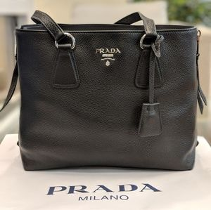 Prada Vitello Daino black leather tote 1BG099